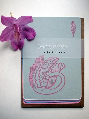 Postkartenset mit Schwan- und Federmotiv